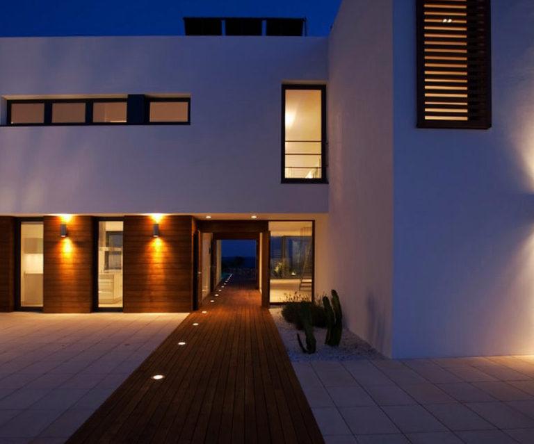 Apliques de Exterior: La mejor solución para iluminar una terraza o jardín